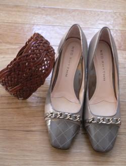 heels and belt